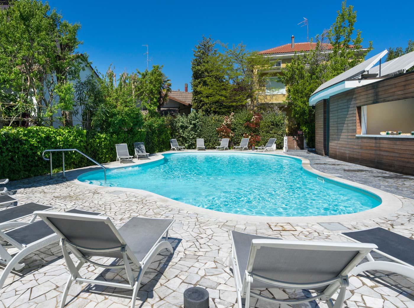 Piscina e wellness hotel buonafortuna 3 stelle bellaria - Hotel con piscina bellaria ...